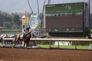 Thanksgiving Day - Agapito Delgadillo - winner race 6 (4)