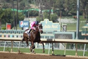 dominating-woman-norberto-arroyo-win-race-2