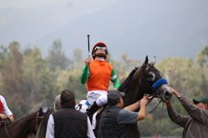 reach-the-world-mike-smith-winner-race-1-4